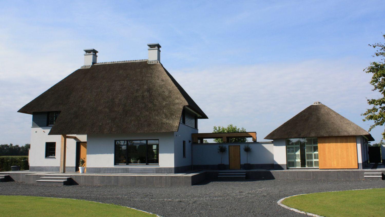 rietgedekte villa ontwerp architect arceau uden
