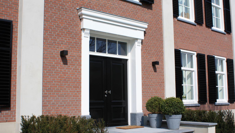 dubbele voordeur bordes