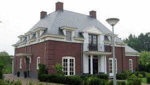 stijlvollelandhuizen woonhuis balkon timpaan