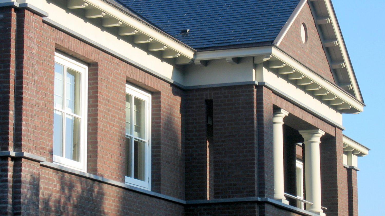 stijlvol balkon zuilen knipvoegwerk