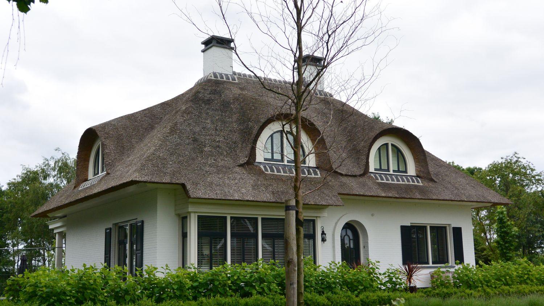 rietgedekte villa erker riet architect oss