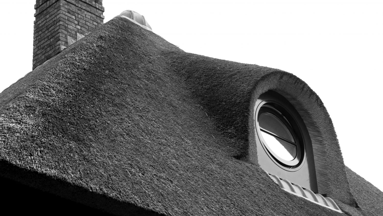 stijlvolle rietgedekte dakkapel